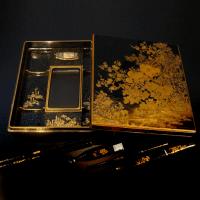 草花蒔絵御硯箱